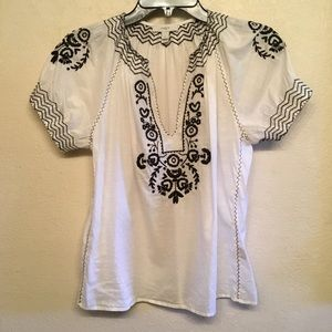 BAJA EMBROIDERED TOP